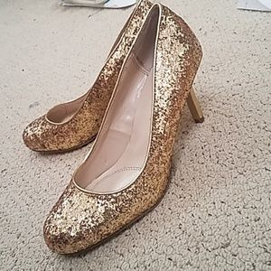 Glitter gold shoes 6.5